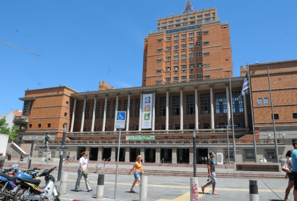 Intendencia Municipal de Montevideo. Foto: Marcelo Bonjour