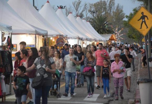 Peregrinación: miles de uruguayos y extranjeros optan esta semana por ir a la fiesta sanducera. Foto: Difusión