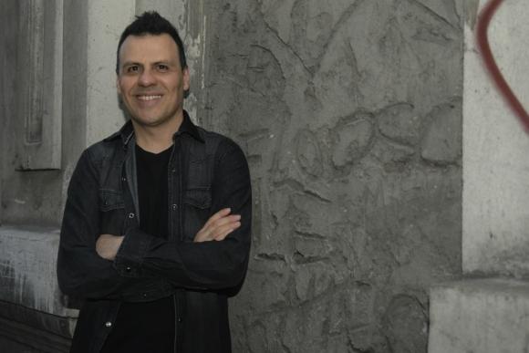 """Tabaré Cardozo presenta este viernes y sábado en el Teatro Solís su nuevo disco solista, """"Librepensador"""". Foto: Marcelo Bonjour"""