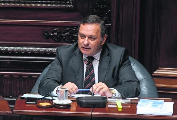 """Postura: el senador Delgado consideró que la decisión de Colonización """"es una arbitrariedad"""". Foto: Francisco Flores."""