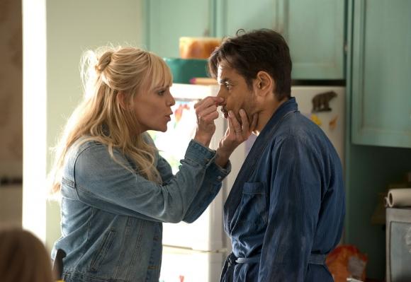 Amor a la deriva, una vuelta de tuerca de un clásico que protagonizaron Kurt Russell y Goldie Hawn. Foto: Difusión