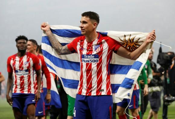 El Atlético de Madrid se quedó con la Europa League ante el Olympique de Marsella. Fotos: EFE y Reuters