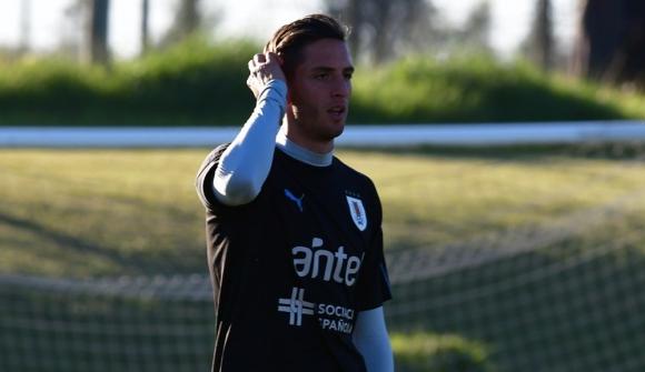 Rodrigo Bentancur en el entrenamiento de la selección uruguaya en el Complejo Celeste. Foto: Nicolás Pereyra