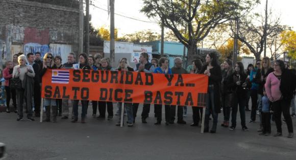Hartos: tras la muerte de otro comerciante, hubo manifestaciones en Salto; hoy convocan a marcha. Foto: Luis Pérez