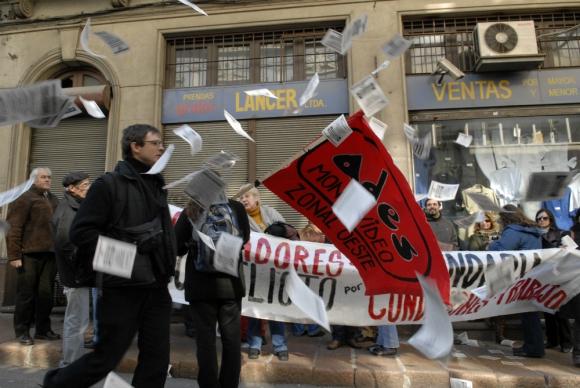 Los profesores no decidieron a la huelga pero esa posibilidad  ya está sobre la mesa. Foto: Archivo El País