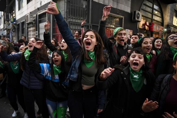 Argentinos a favor del aborto. Foto: AFP
