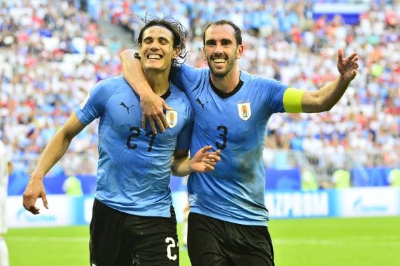 El festejo de Edinson Cavani y Diego Godín para Uruguay. Foto: Nicolás Pereyra