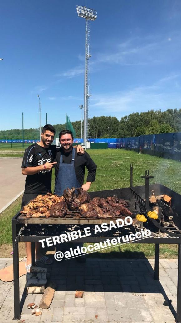 Suárez junto a Cauteruccio. Foto: @luissuarez9 / Instagram.