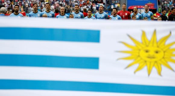 Selección de Uruguay ante Francia. Foto: Reuters