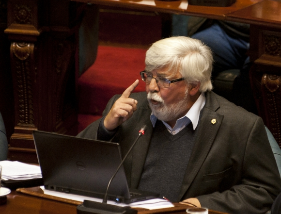 """Posición: el ministro del Interior niega estar enfrentado con el Fiscal de Corte y apunta su batería de críticas a """"algunos fiscales"""". Foto: Fernando Ponzetto."""