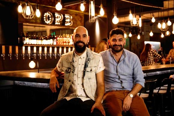 Socios. Álvaro de León y Javier Rocha buscan certificar a OPB como empresa B y llevar el modelo de beertruck a otros países.