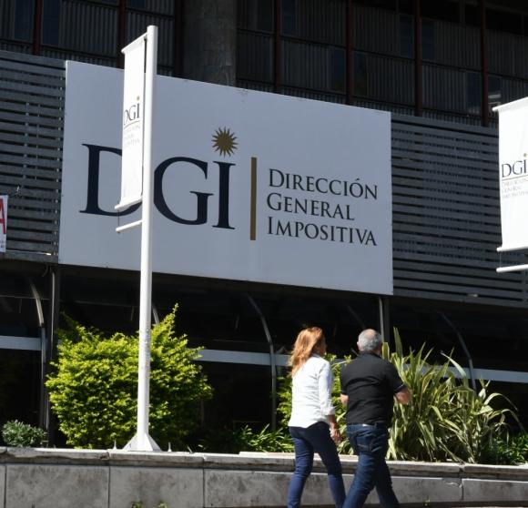IRPF:  DGI embolsó por este concepto $ 30.558 millones en 6 meses, esto es 4,4% más interanual. Foto: Ariel  Colmegna.