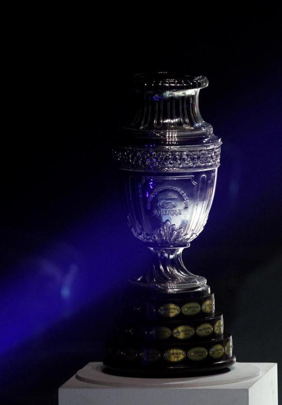 El trofeo de la Copa América. Foto: Archivo El País