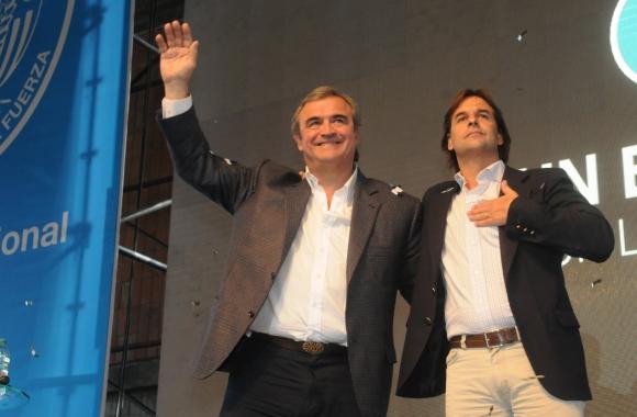 Larrañaga y Lacalle Pou en las elecciones de 2014. Foto: archivo