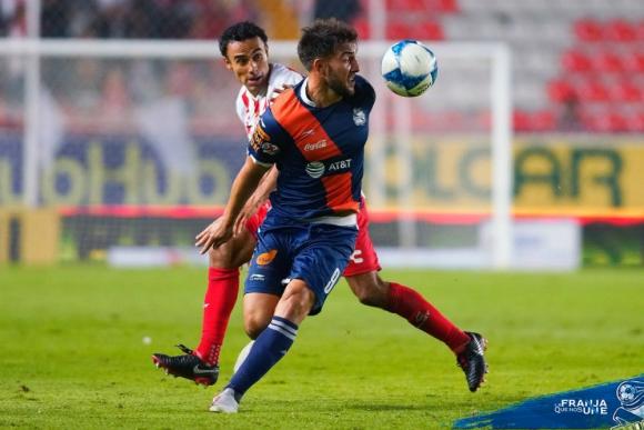 Lucas Cavallini convirtió otro gol para Puebla