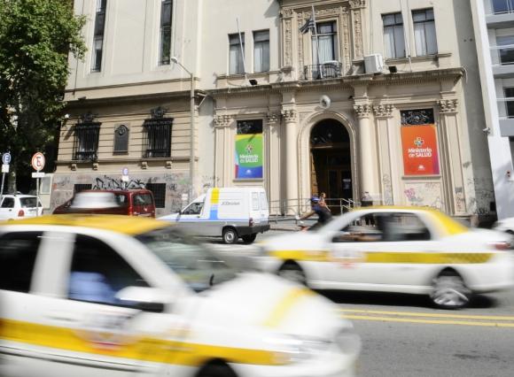 Demora: el Ministerio de Salud Pública no tenía el dato exacto de cuántas farmacias había. Foto: Darwin Borrelli