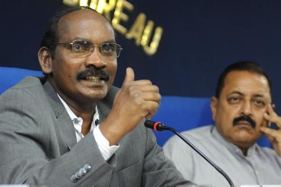 El presidente de la Organización de Investigaciones Espaciales de la India. Foto: EFE