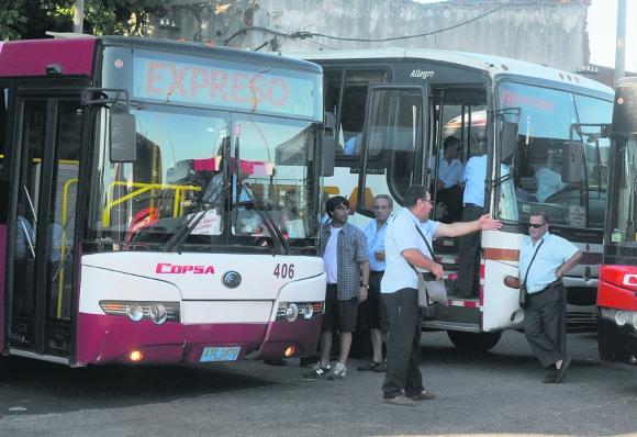 Servicios: en febrero empezaron a atacar ómnibus en Canelones. Foto: archivo El País