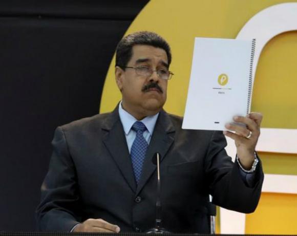 Clave: Nicolás Maduro dijo que el Petro sería la piedra angular del plan de recuperación de la economía. Foto: Reuters