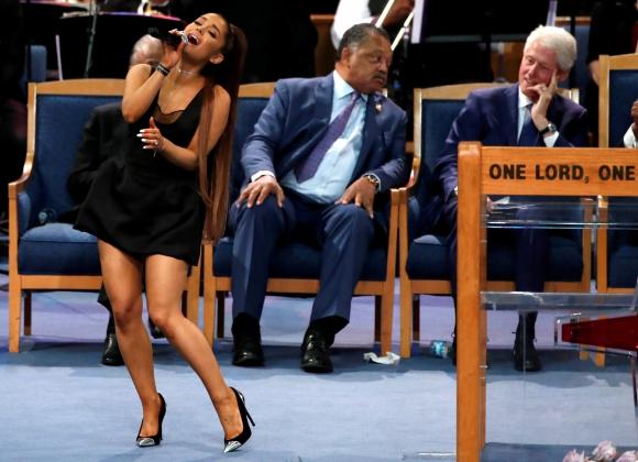 Ariana Grande canta en el funeral de Aretha Franklin. Foto: AFP