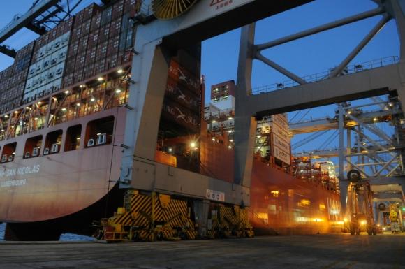 Repunte. Las exportaciones de bienes -incluyendo zonas francas- aumentaron en agosto tras cuatro meses consecutivos de caídas. Foto: archivo El País