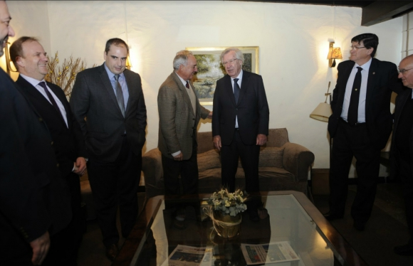 El presidente de la ARU Pablo Zerbino y el ministro de Economía Danilo Astori en el cónclave de ayer en la Expo Prado. Foto: El País