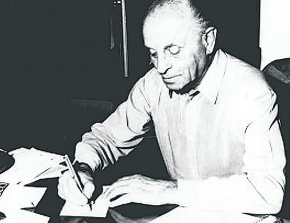 Когда Ласло Биро изобрел шариковую ручку?