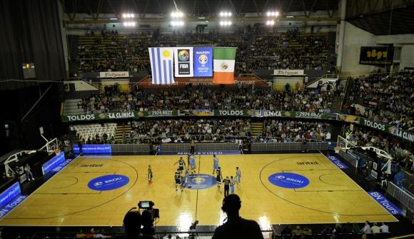 El Palacio Peñarol en el partido de Uruguay vs. México. Foto: Gerardo Pérez