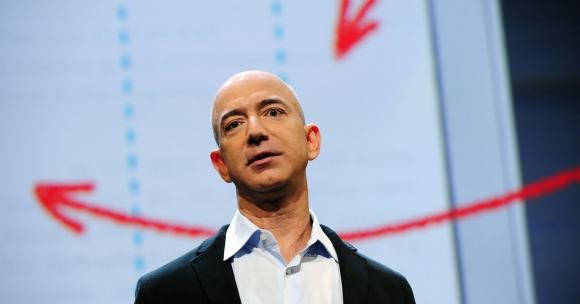 Filántropo 2.0. Jeff Bezos, el CEO de Amazon, pidió a sus seguidores en Twitter que le sugirieran ideas sobre opciones de causas benéficas con las cuales contribuir