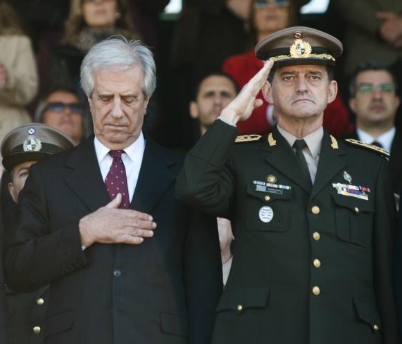 Sanción: Tabaré Vázquez aseguró que pese a sancionarlo mantiene confianza en el general Manini Ríos. Foto: Fernando Ponzetto