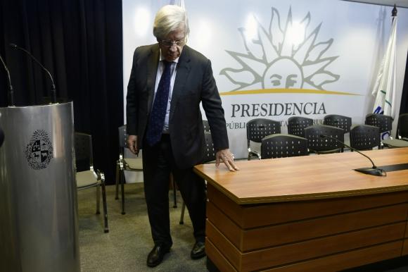 Danilo Astori: el ministro de Economía y Finanzas salió al cruce de Fitch luego que esta cambiara la perspectiva de estable a negativa. Foto: Fernando Ponzetto