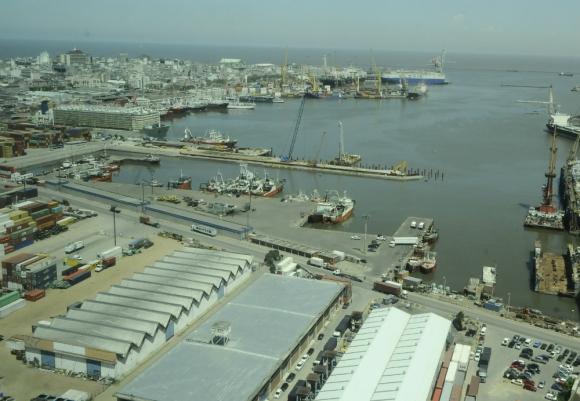 Puerto: sindicato y empresas siguen sin llegar a un acuerdo. Foto: Darwin Borrelli