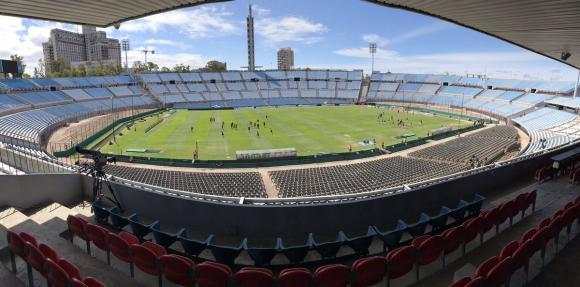 El estadio Centenario en la previa del clásico