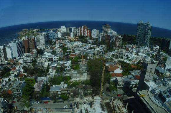Vista aérea de Montevideo. Foto: Fernando Ponzetto
