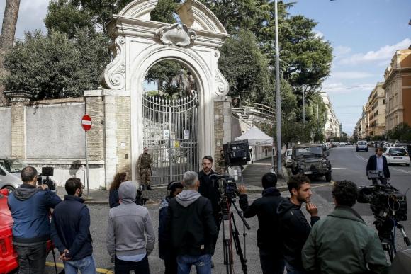 La sede de la embajada del Vaticano en Roma, donde encontraron los restos. Foto: EFE