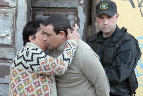 El narco fue saludado por su familia y amigos al momento de ser trasladado a prisión. Foto: R. Figueredo