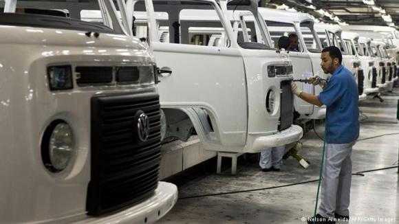 Volkswagen será una de las beneficiadas por la ley aprobada. Foto: AFP