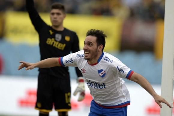 Matías Zunino en el Nacional vs. Peñarol en el clásico