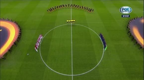 Minuto de silencio en la finalo de la UEFA Europa League