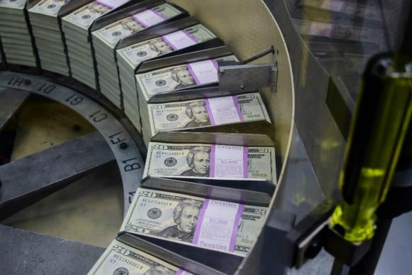 Bienes se abaratan en dólares. Foto: AFP