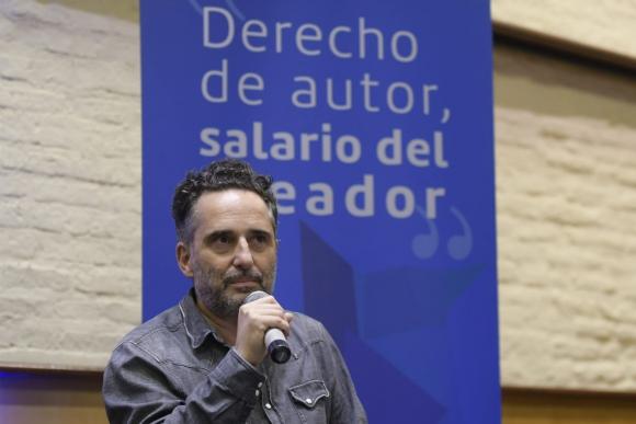 Jorge Drexler este martes en la sede de AGADU. Foto: Marcelo Bonjour