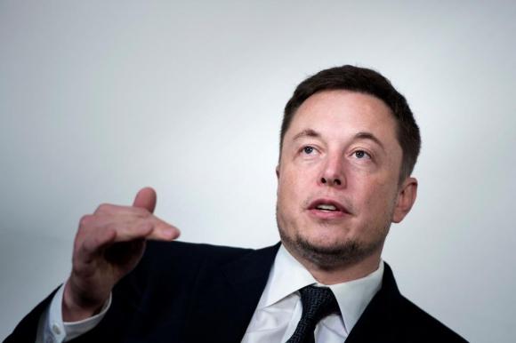 Elon Musk. El CEO de Tesla se expresó en Twitter en contra de la reducción de la jornada.