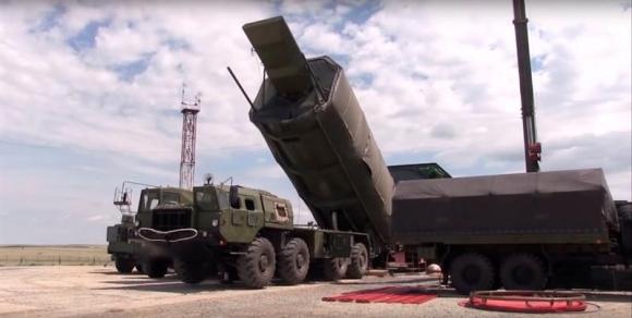 Putin presidió el ensayo del nuevo misil hipersónico ruso Avangard. Foto: EFE