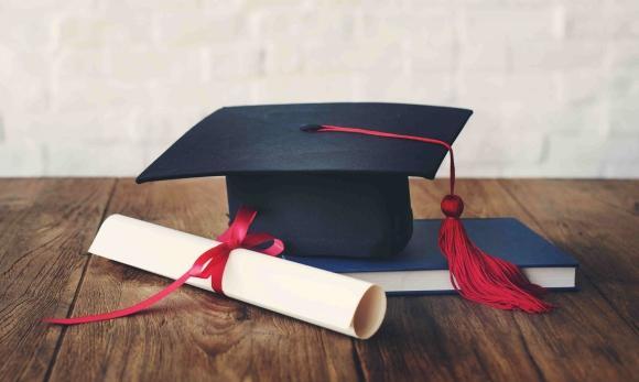 Formación. La universidad tradicional están reformulando programas y adaptando su oferta a la vez que surgen nuevas opciones educativas.
