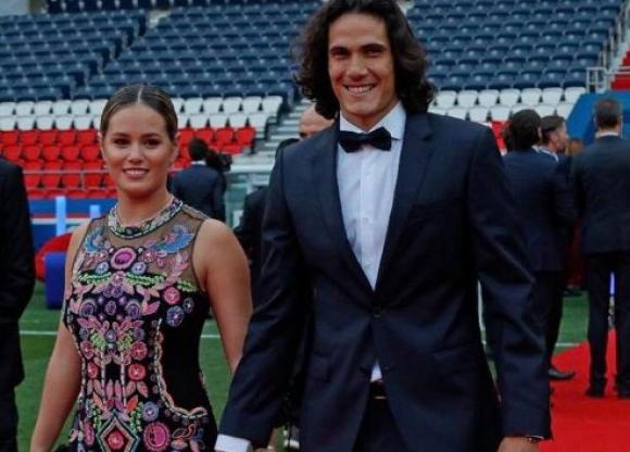 Edinson Cavani Y Su Novia Jocelyn Burgardt Esperan A Su Primer Hijo Tvshow 27 12 2018 El Pais Uruguay