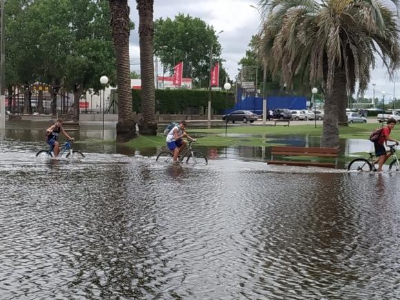 Inundaciones en Mercedes. Foto: Daniel Rojas.