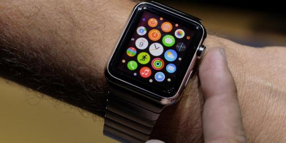 Watch. El reloj inteligente es un producto accesorio en los ingresos de Apple.
