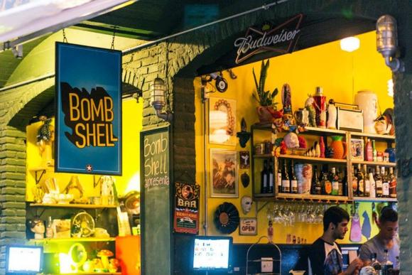 BombShell. El 70% de sus clientes pertenece a la comunidad LGBT, el otro 30% es afín a la comunidad. (Foto: Facebook BombShell)