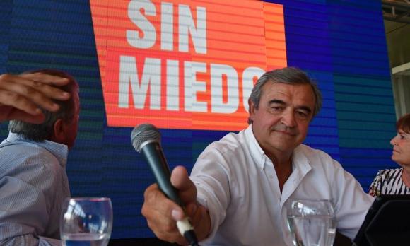Jorge Larrañaga en el hotel NH Columbia. Foto: Fernando Ponzetto
