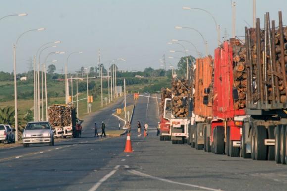 Camiones. Polémica por un nuevo sistema. Foto: archivo El País.
